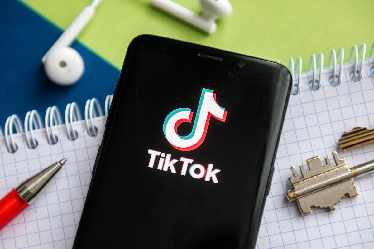 تیک تاک میخواهد ابزارهایی برای شغلیابی و فروش محصولات ارائه کند